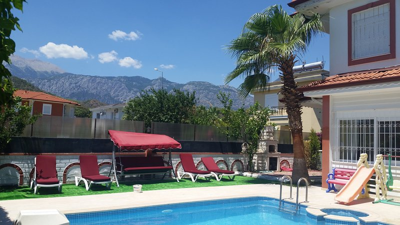 Wonderful Twin Villa With Private  Pool 700m sea – semesterbostad i Kemer