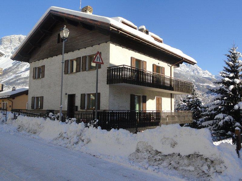 LaCasadiArmando Apartment ERMELLINI, location de vacances à Valdisotto