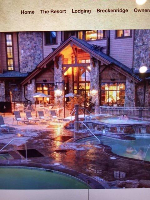 Buitenzwembad en hot tubs in het Grand Lodge on Peak 7