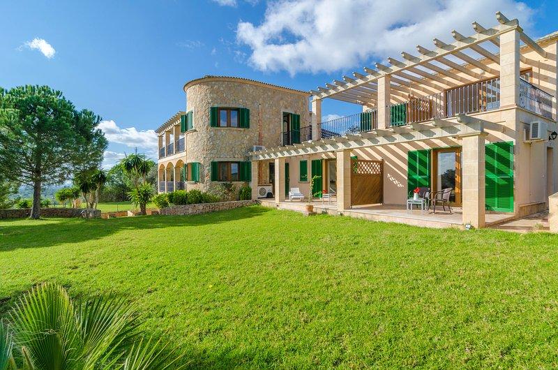 ES PUIG DES CALL - Villa for 18 people in FELANITX, vacation rental in Felanitx