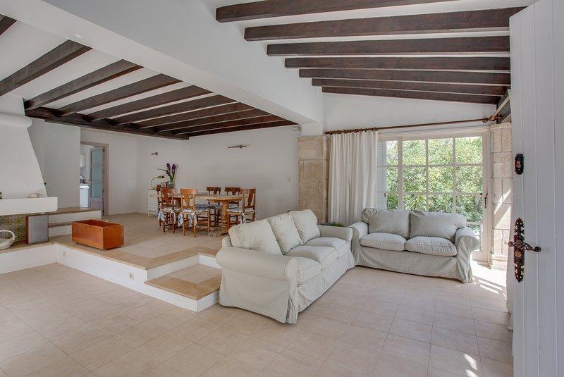 Villa Cala Provenzal, holiday rental in Font de Sa Cala