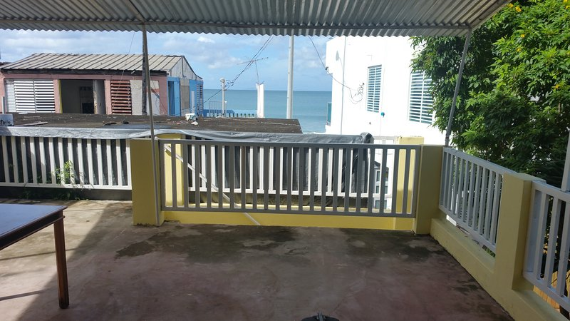 Beach Apartment with Terrace, holiday rental in Aguadilla