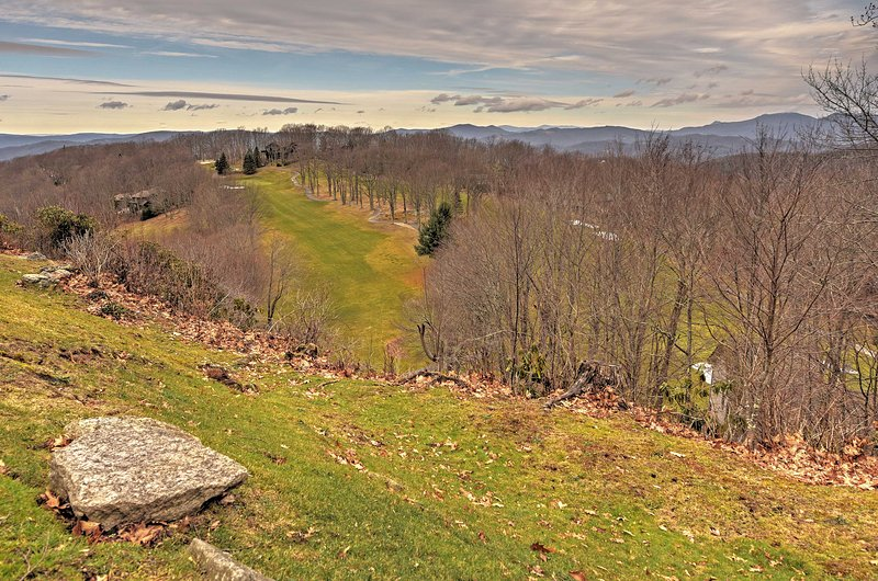 Come and see what this awesome Beech Mountain home has in store for you!