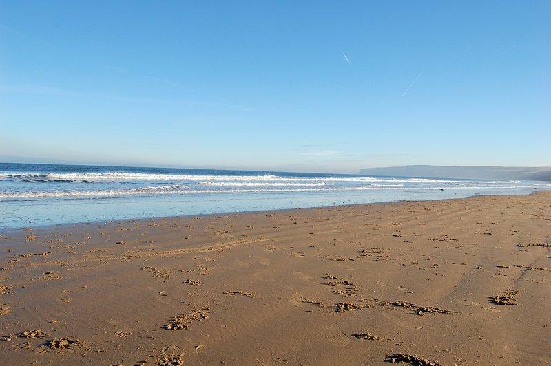 , Playa de arena, a pocos pasos de distancia, acceso directo enorme
