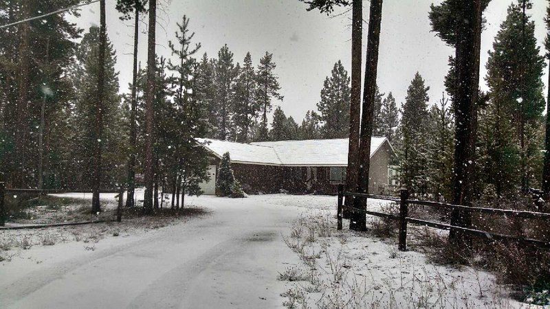 Disfrutar del esquí, senderismo, pesca y actividades al aire libre desde la cabina acogedor