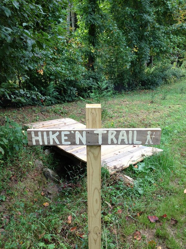Hikin Trail into the Pisgah National Forest!