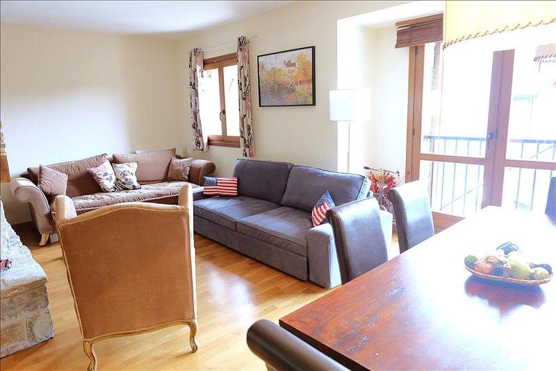 331B - Apartamento de 4 dormitorios y dos baños, holiday rental in Tramacastilla de Tena