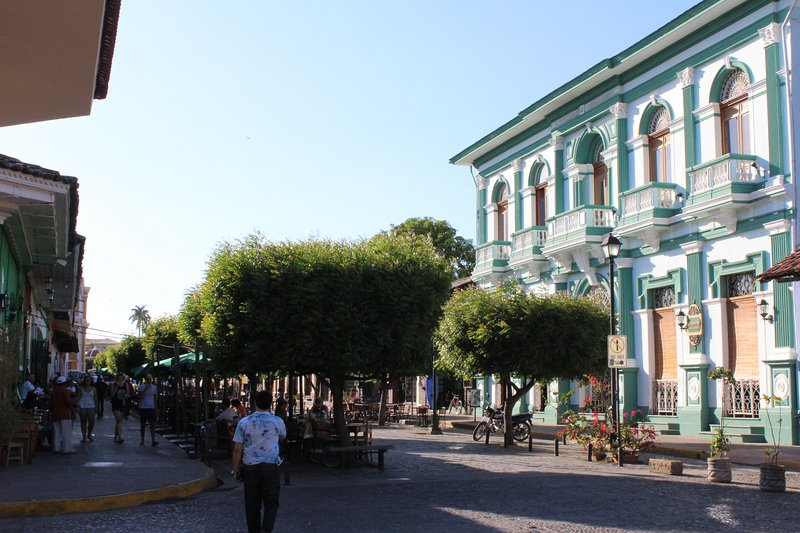 Calzada Street just one block away. Cafes, Restaurant and main atractions