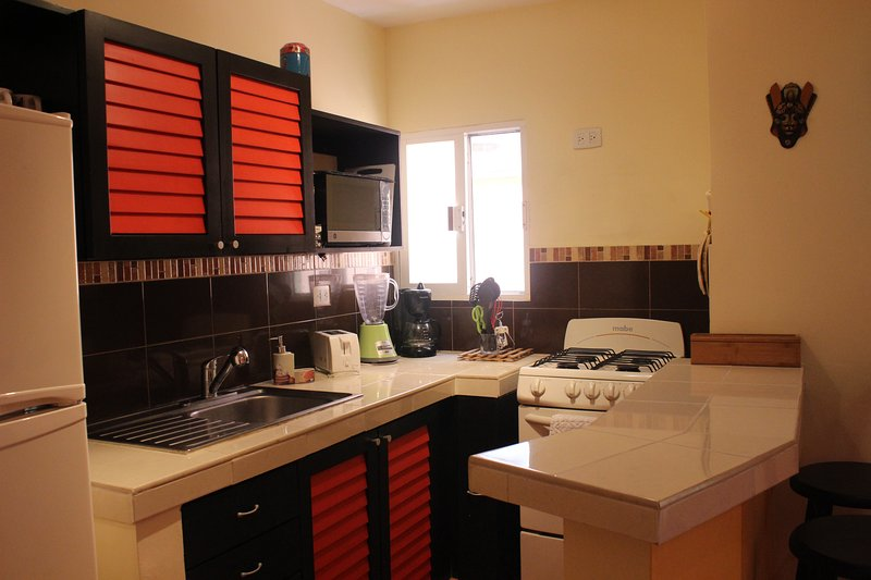 Full gas kitchen with oven, microwave, blender, toaster, coffee maker Viva Maria