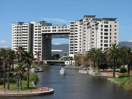 Knightsbridge Tower Apartments, casa vacanza a Plattekloof