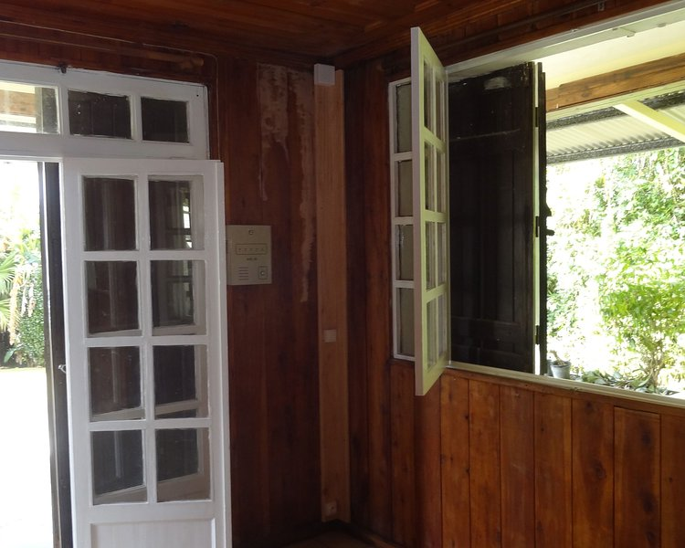 Spacious house with sea view & Wifi, holiday rental in Le Brule