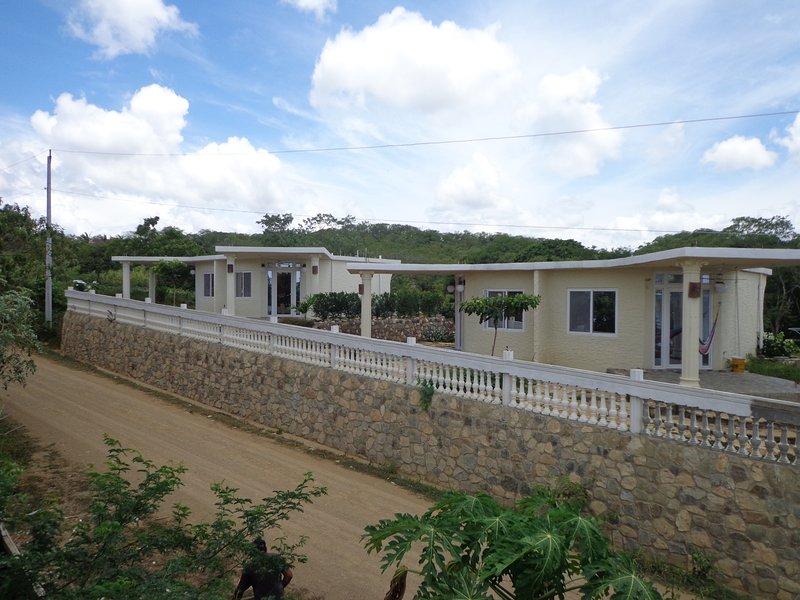 Jardines de Paraiso, vacation rental in Tola
