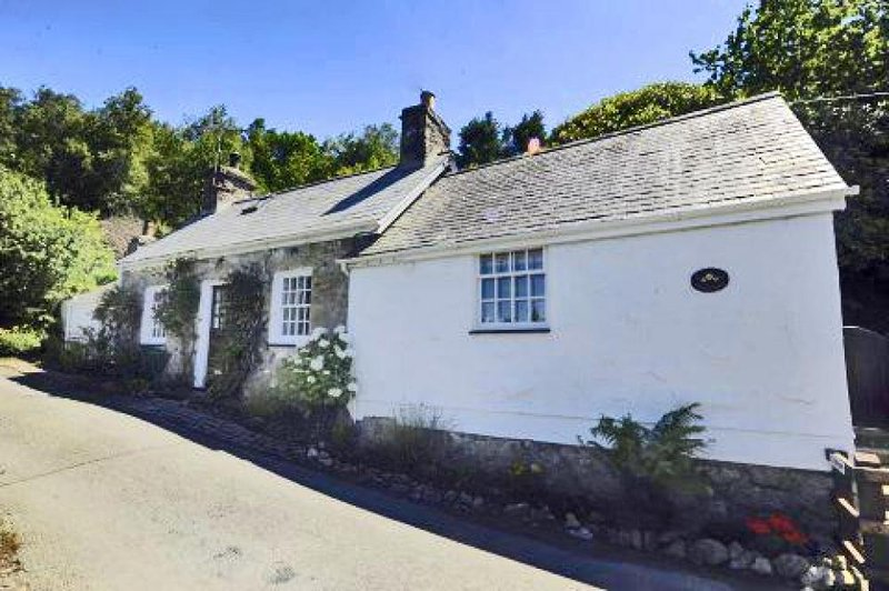 Geufron (GEUFRO), holiday rental in Pwllheli