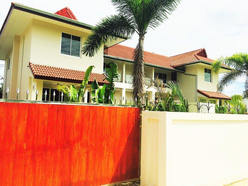 Park View Villas B (Private & Luxury), holiday rental in Sattahip