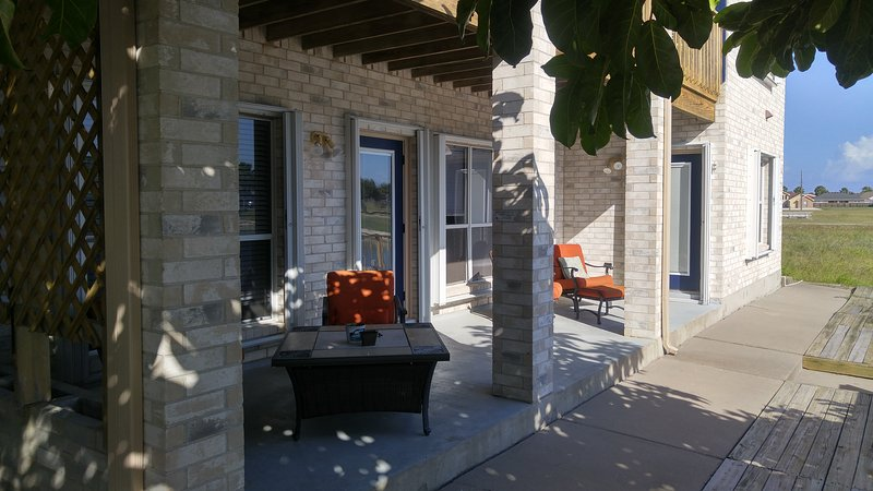 Bottom Level Canal Water Front Home!, vacation rental in Corpus Christi