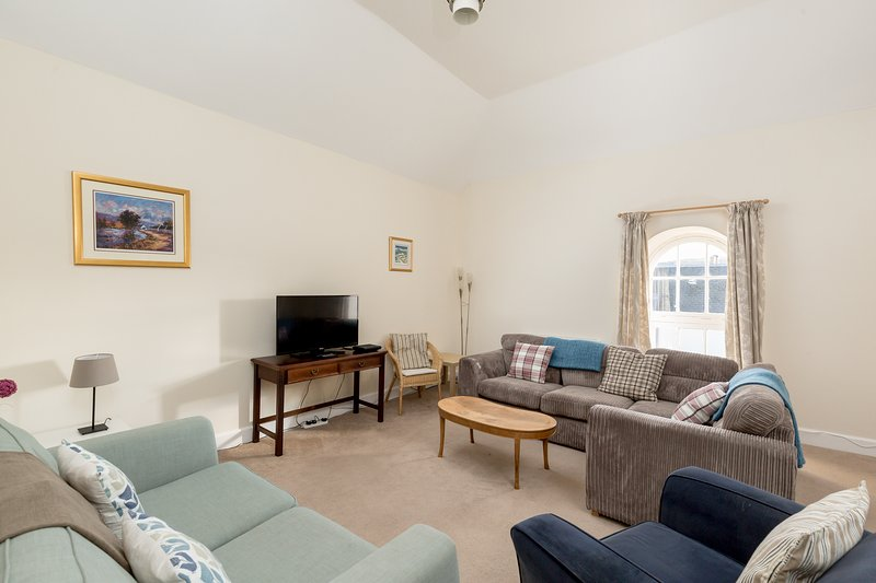 Overhailes Holiday Cottages - The Granary, holiday rental in Gifford