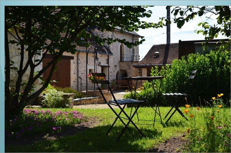 le logis du pavillon  gîte de charme, vacation rental in Noyant
