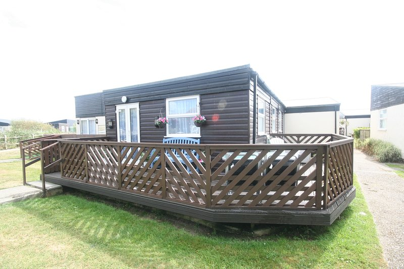 Windrush 37E Medmerry Park, holiday rental in Earnley