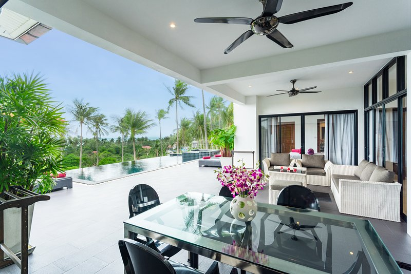 Large spacious outdoor areas for relaxing