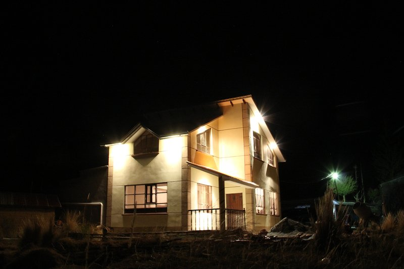 Night view of the cottage.