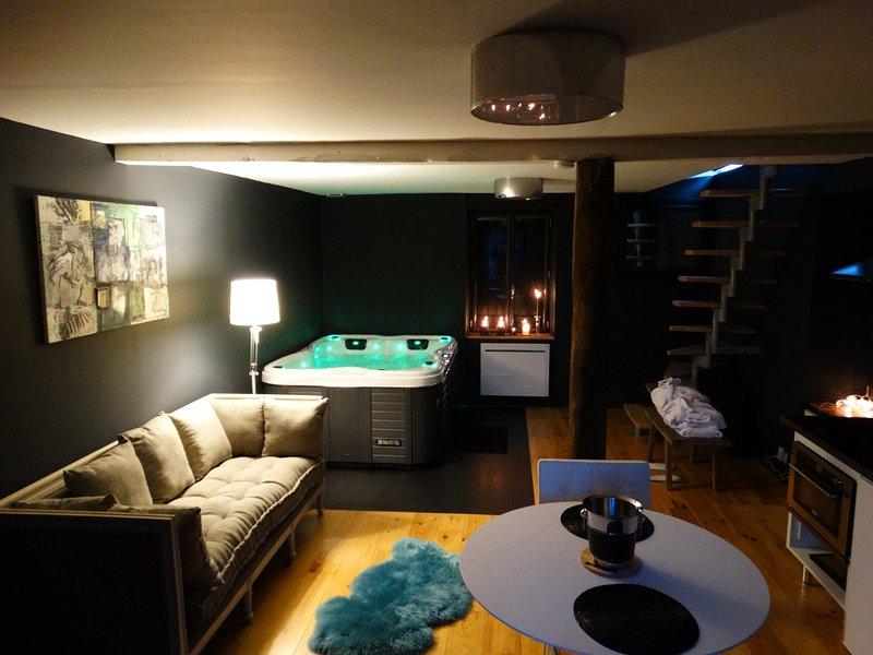 Suite romantique et chic avec Spa, holiday rental in Uzerche