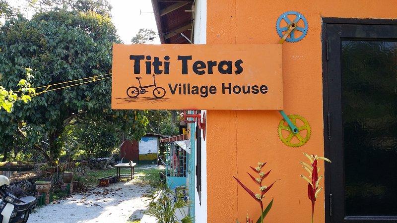Titi Teras Village House, vakantiewoning in Pulau Penang