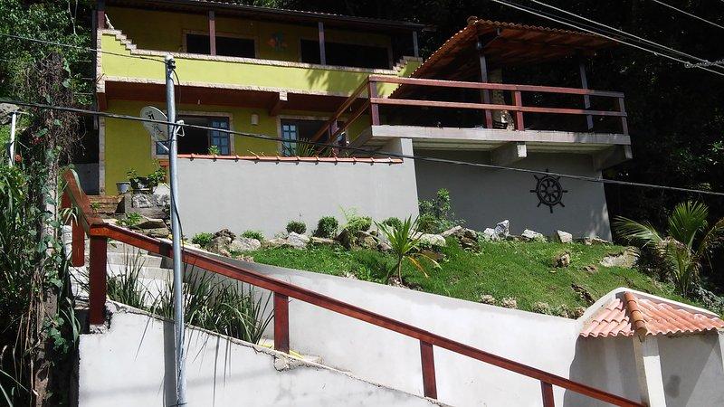 Casa na Praia com Passeio de Lancha, vacation rental in Angra Dos Reis