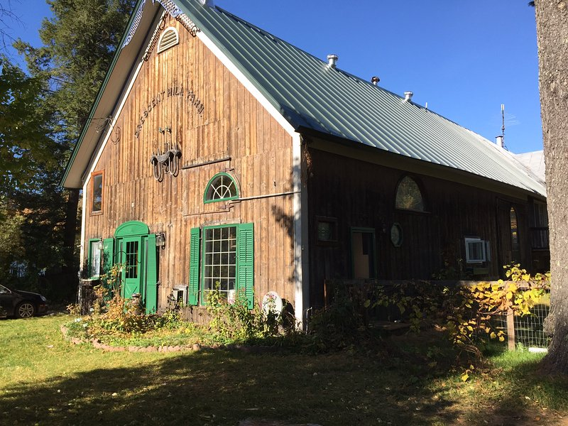 Rustic Vermont Farm Near Jay Peak, holiday rental in Lowell