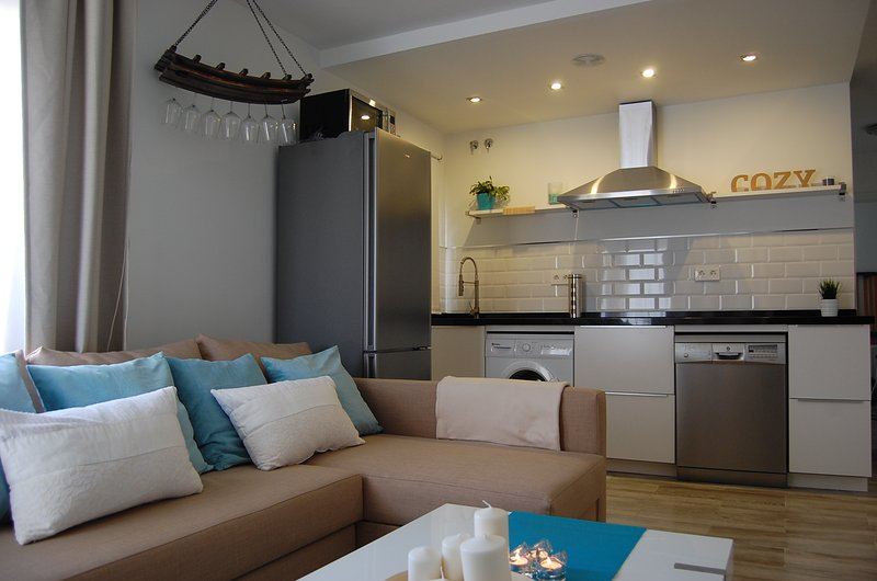 COZY & NEW BENALMADENA APT.418 BENALOFTS, vacation rental in Arroyo de la Miel