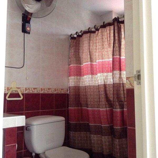 Casa de banho de água quente e fria ...