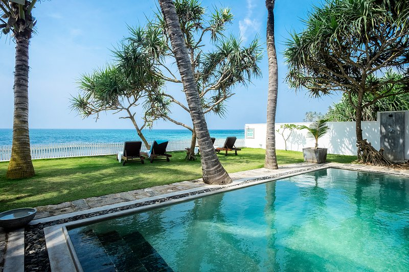 Stunning Indian Ocean views and salt water swimming pool