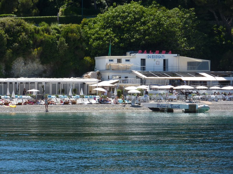 Paloma Beach, St Jean-easily accessed by foot or by sea for great food and drinks.