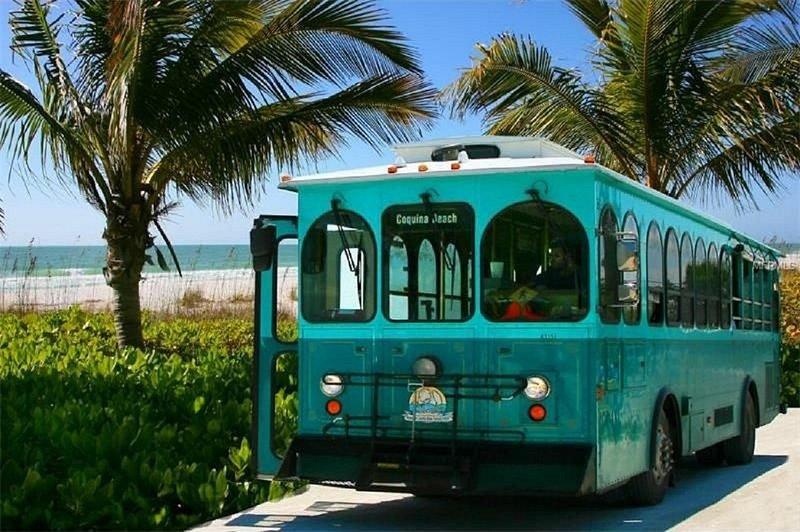 Hop en carro y recorrer la isla, vista de Bradenton Beach cerca de 10 millas de su casa
