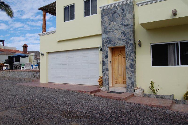 Pescadero Palace 1BR Ground Floor Casita w/Pool, Jacuzzi, and Kitchen!, vacation rental in El Pescadero