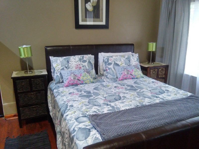 Kerry suite: Queen size bed