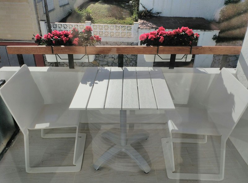 Next to the beach. Apartment for 2 people. Close to Marbella, vacation rental in Sitio de Calahonda