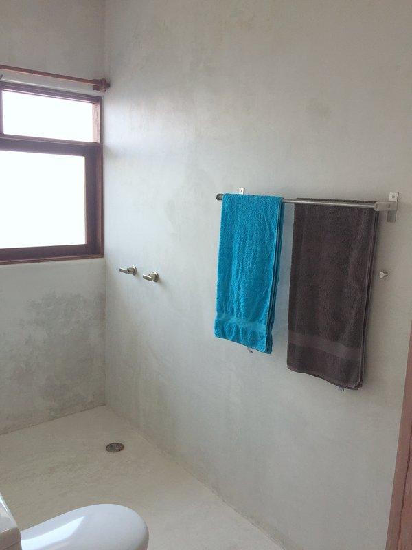 ÉTUDE salle de bains privative