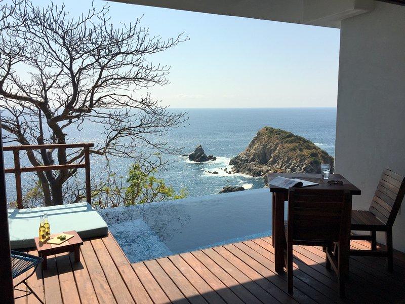 ESTUDIO terrasse et accès à la piscine