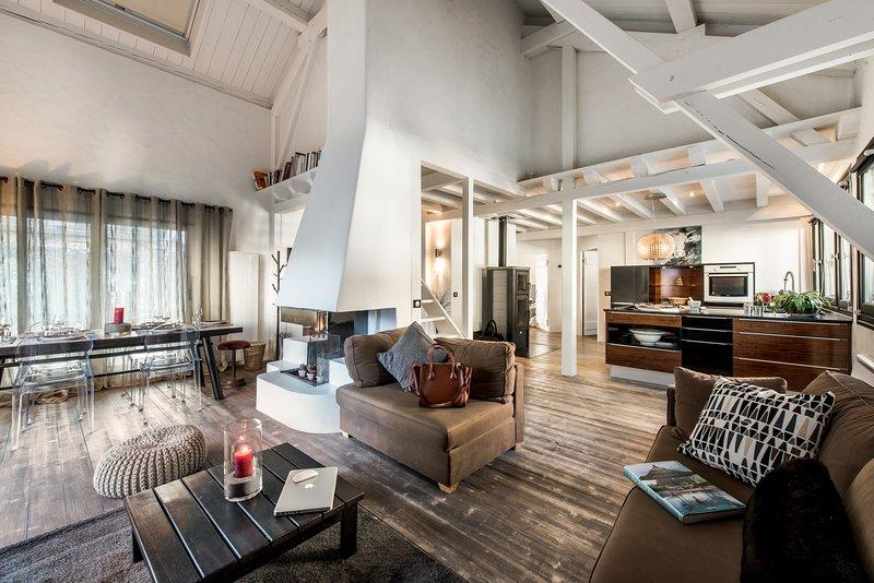 Duplex contemporain lumineux en plein centre, alquiler de vacaciones en Brides-les-Bains