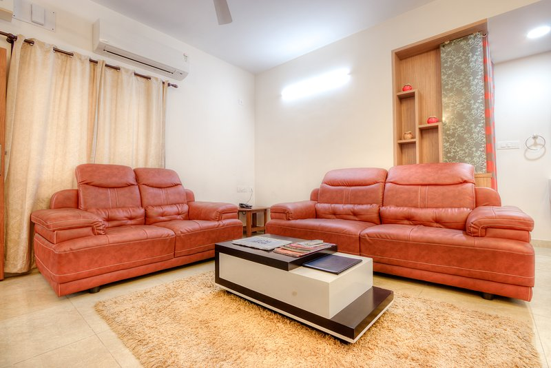 Your Home in Chennai city, vacation rental in Muttukadu