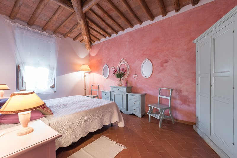 Agriturismo Podere Torricella- Rosa e ginepro-, holiday rental in San Vincenzo A Torri