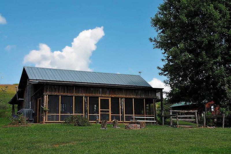 The Guesthouse, casa vacanza a Jonesborough