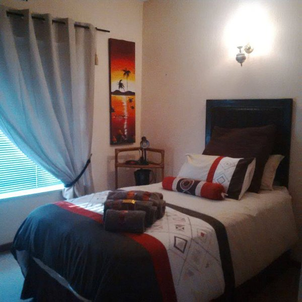 All over Africa bed and breakfast., Ferienwohnung in Kempton Park