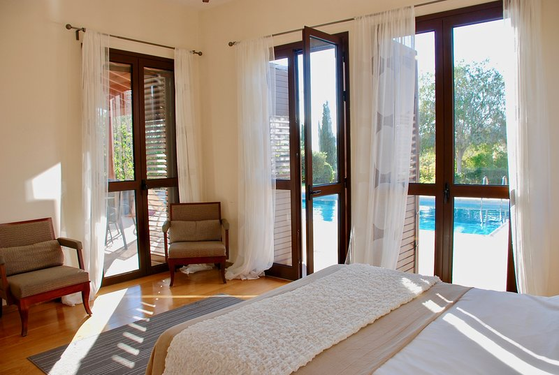 Villa Dionysus (373), vacation rental in Kouklia