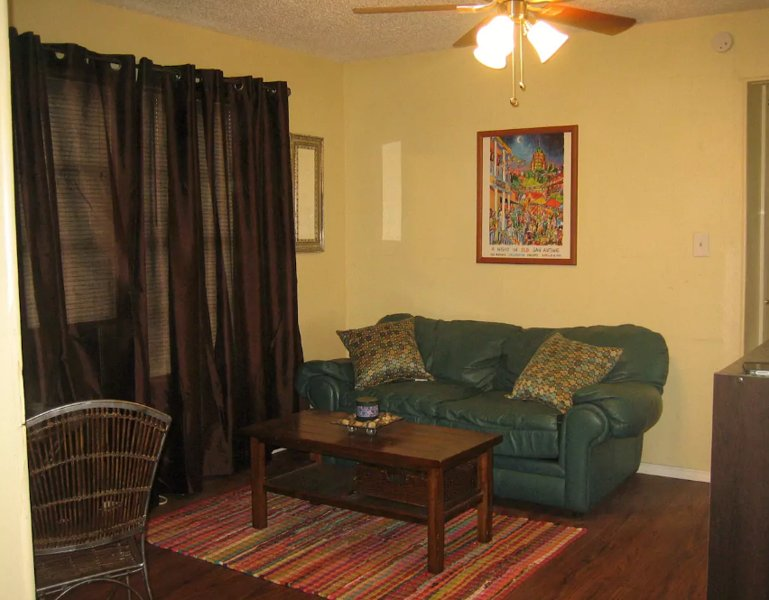 Gingerbread House Loft, holiday rental in Balcones Heights