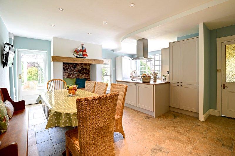 Large kitchen diner with Free Sat T.V & under floor heating