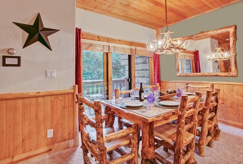 Sala da pranzo può ospitare sei comodamente