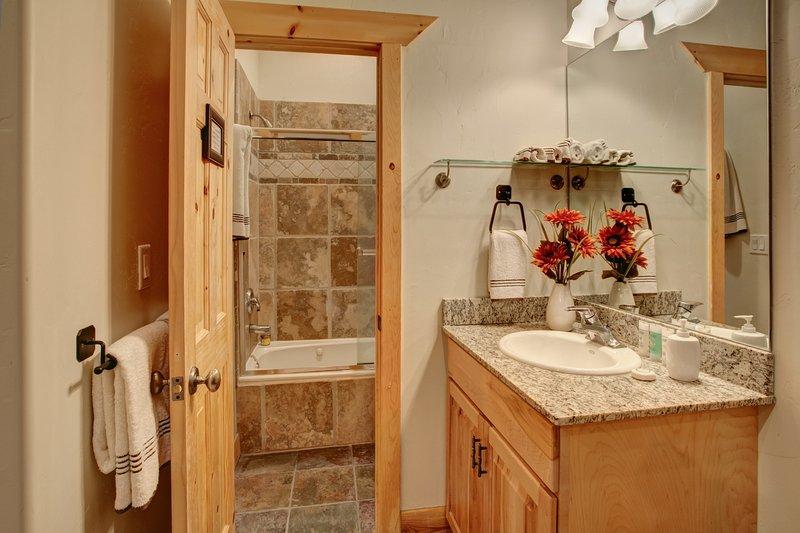 Master Bathroom - doccia / vasca con getti