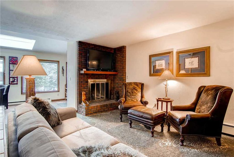 Sunset Townhomes 13 by Ski Country Resorts, holiday rental in Breckenridge