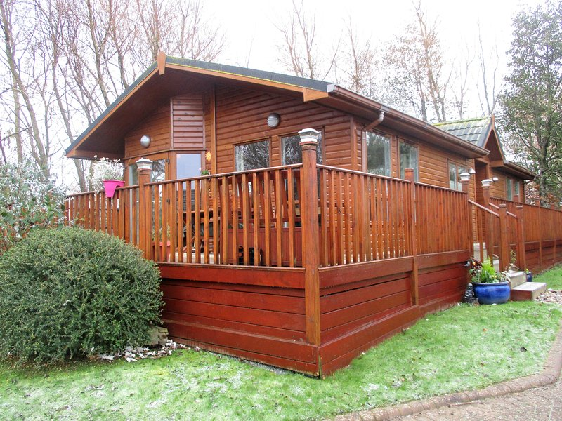 Our 40 x 20 ft 2 bedroom lodge by the golf course and Fairways Café  is available 17 Mar to Oct 2017